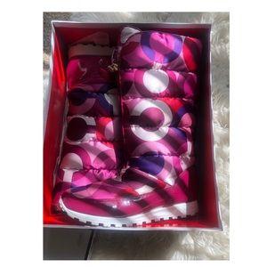 Berry/Berry Jolt Puffer Boots
